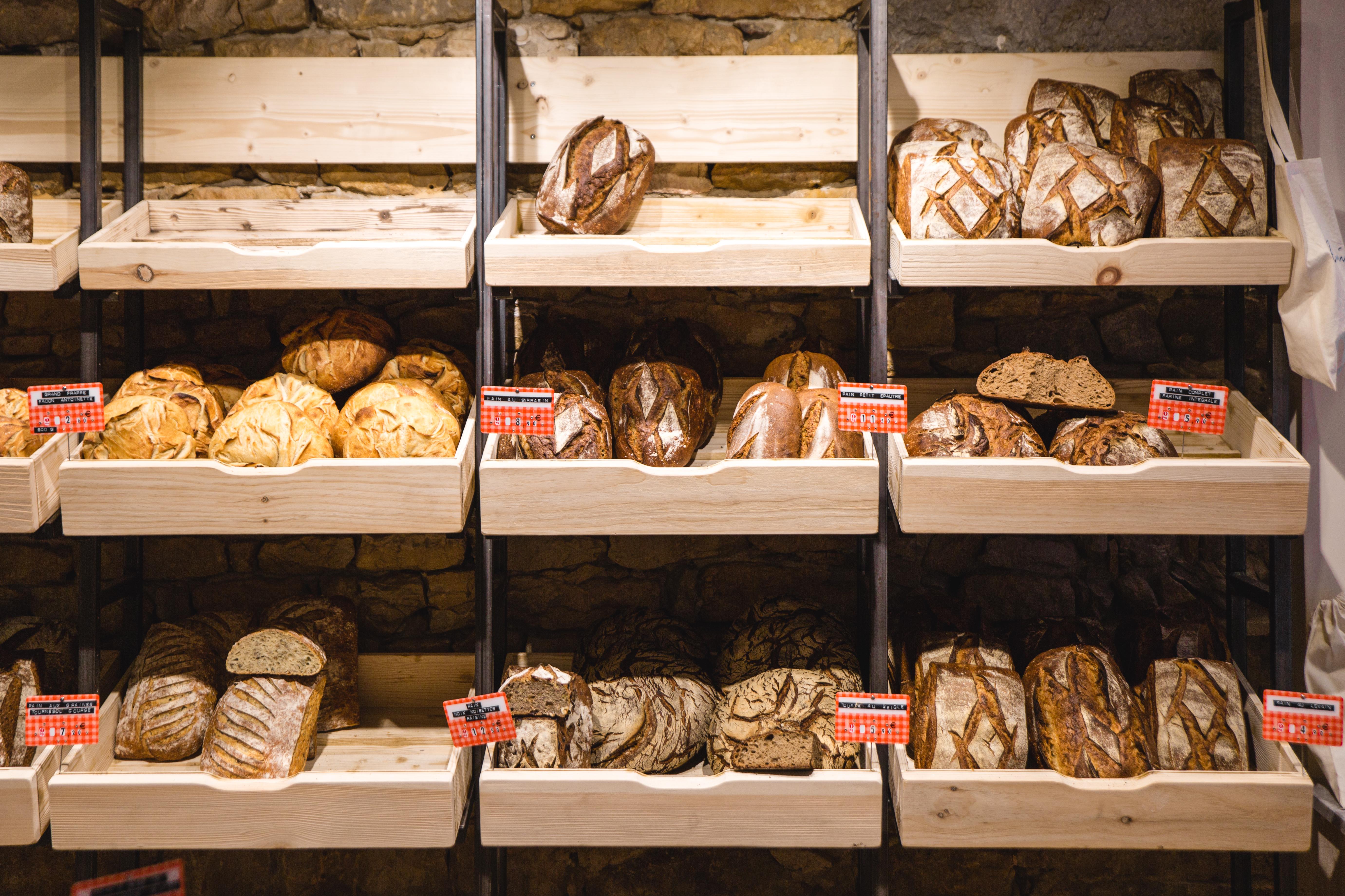 Agencement boulangerie Antoinette grille à pains