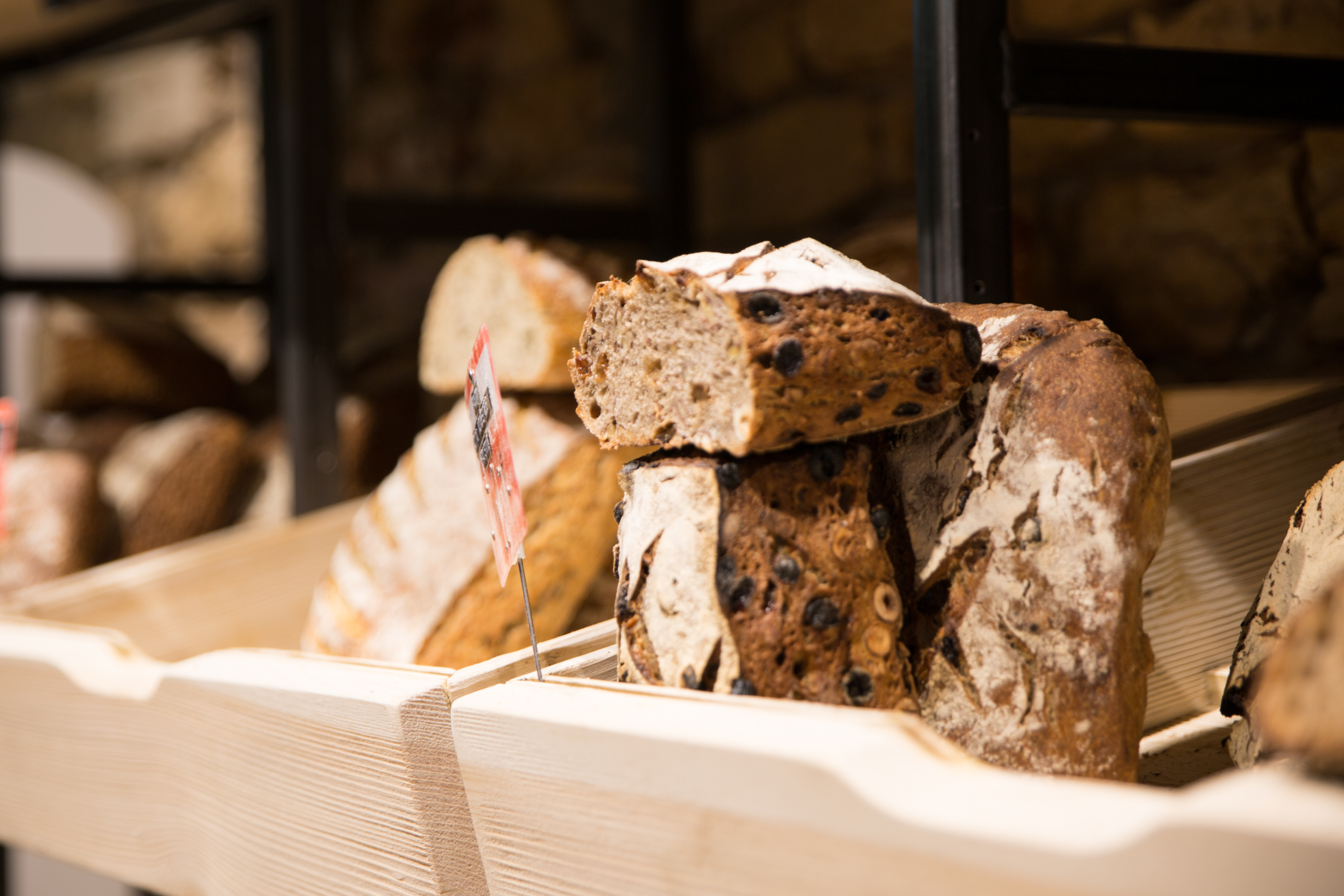 Agencement boulangerie Antoinette pains spéciaux