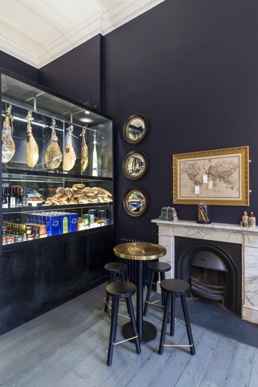 15_Somerset_House_Pennethorne_s-Cafe_Bar_London_SHH_architects_yatzer