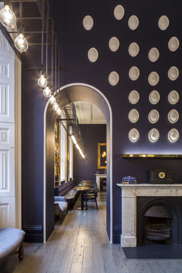 16_Somerset_House_Pennethorne_s-Cafe_Bar_London_SHH_architects_yatzer