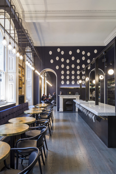 9_Somerset_House_Pennethorne_s-Cafe_Bar_London_SHH_architects_yatzer