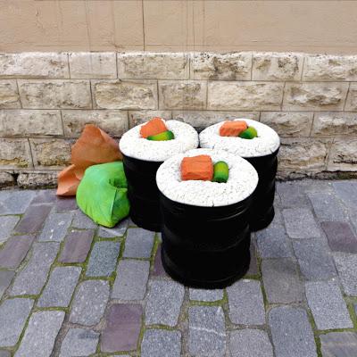 eat-me-lork-sculpture-objet-dechet-aliment-geant-street-art (9)