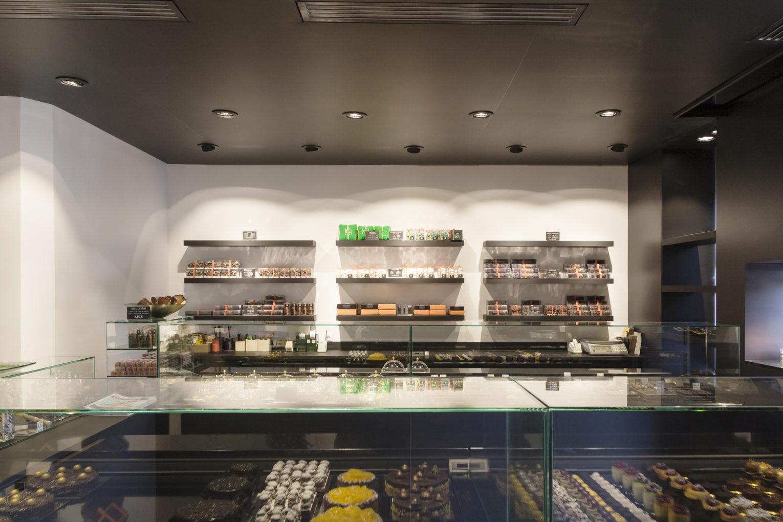 étagères boutique design