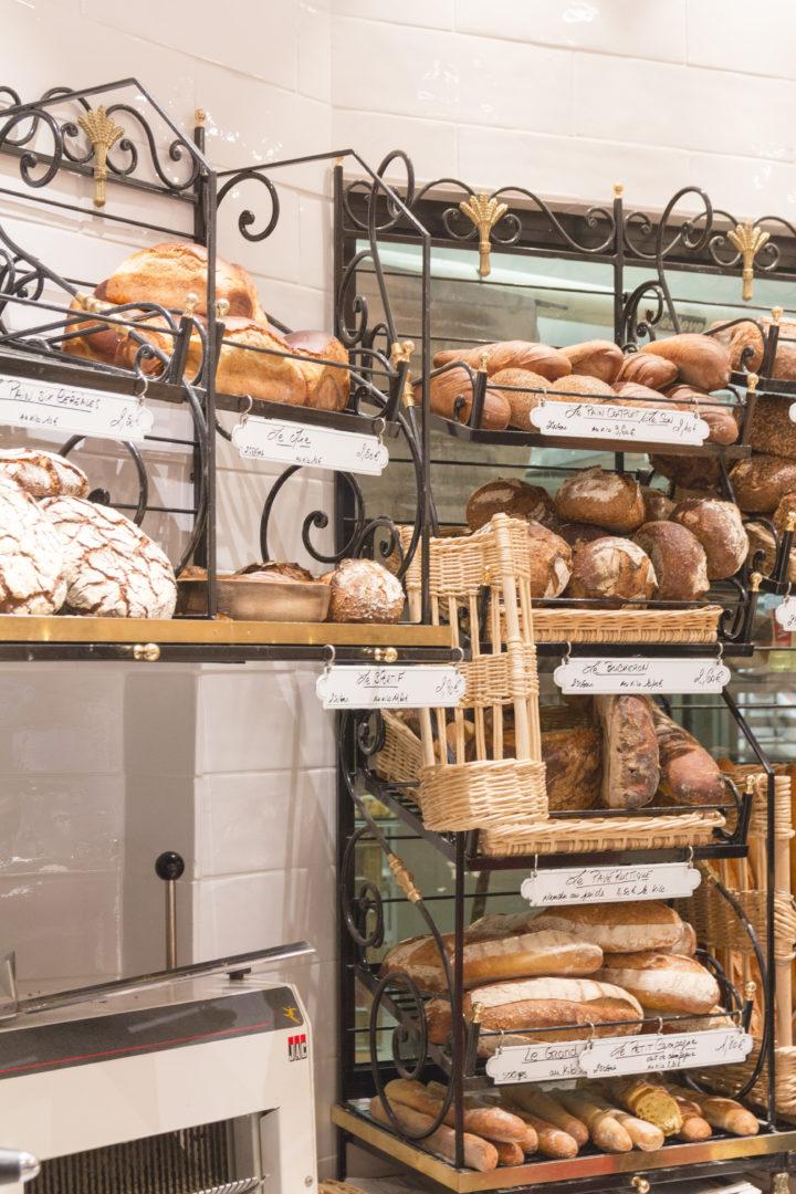 Boulangerie Pâtisserie La renaissance grille à pain en ferronnerie conçu par Pep's création