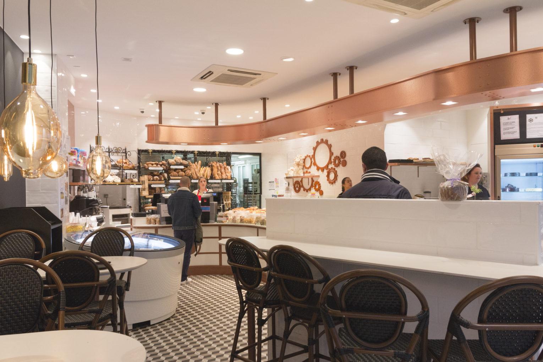 Boulangerie Pâtisserie La renaissance vue salon de thé boutique conçu par Pep's création