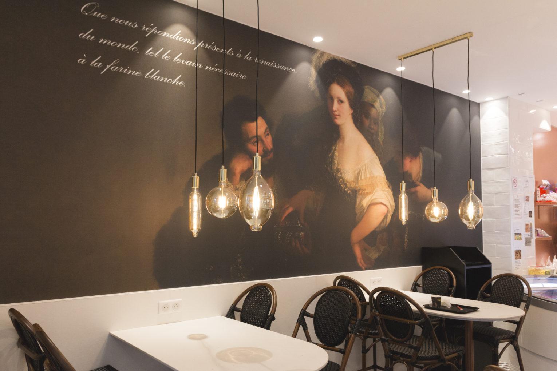 Boulangerie Pâtisserie La renaissance salon de thé visuel baroque ampoule filament place assise conçu par Pep's création