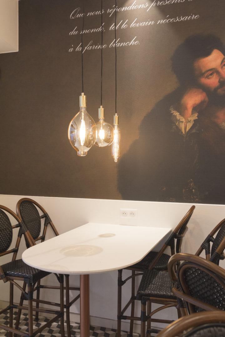 Boulangerie Pâtisserie La renaissance salon de thé visuel baroque ampoule filament conçu par Pep's création